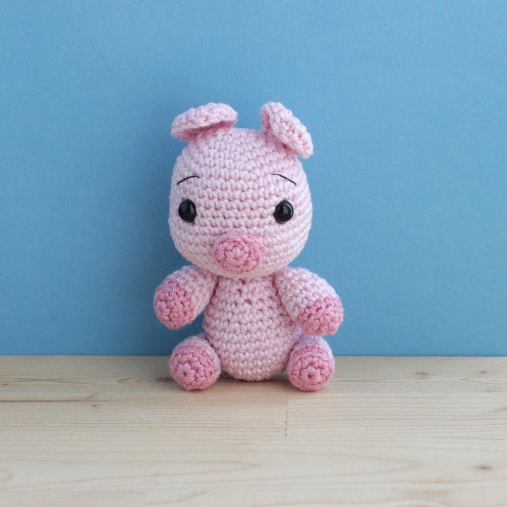amigurumi crochet pig